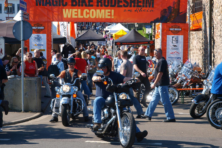 magic-bike-ruedesheim-harley-davidson-festival-1