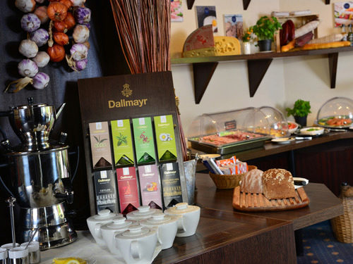 A selection of top quality teas by Dallmayr.